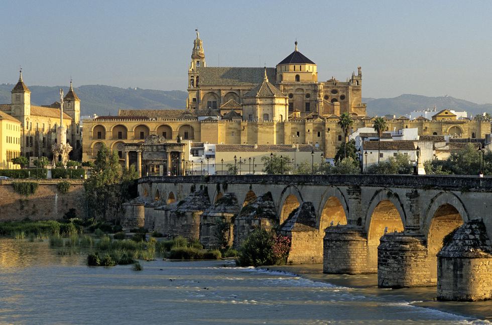 Catedral Mezquita de Cordoba y Puente Romano