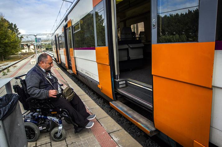 Accesibilidad en trenes Renfe. Servicios Atendo 3