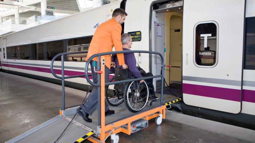 Accesibilidad en trenes Renfe. Servicios Atendo 4