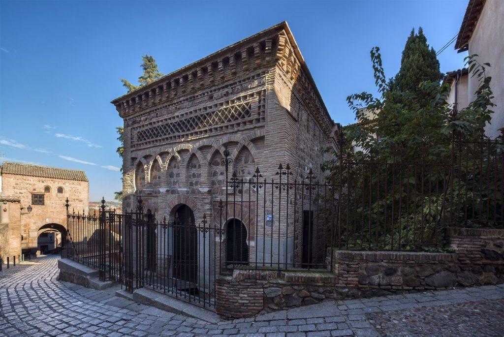 ¿Tienes pensado viajar en AVE a Toledo?Te recomendamos visitar estos sitios 5