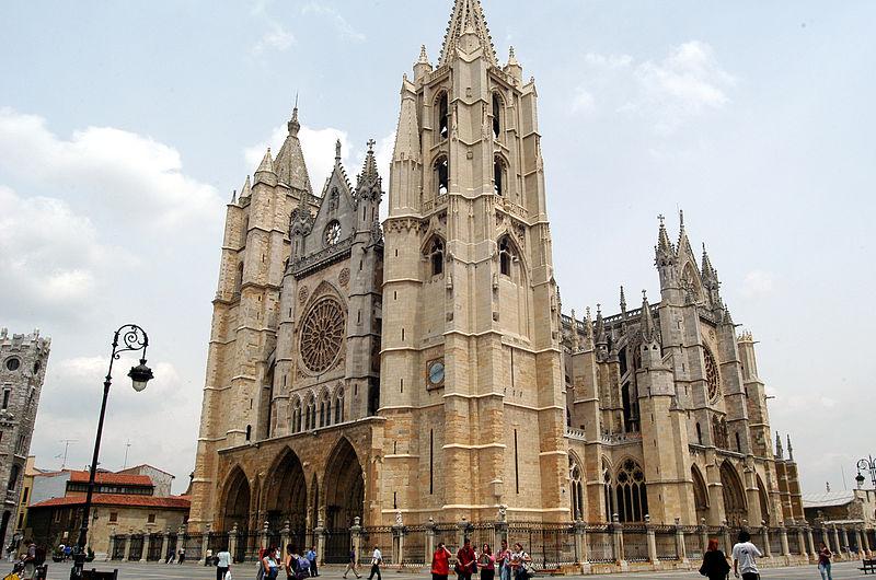 Viajar en AVE a León: ¿qué ver y qué hacer en la capital de la gastronomía española? 2