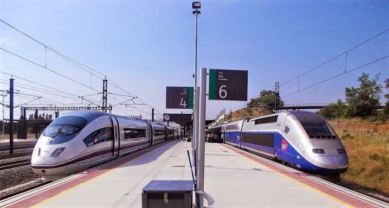 AVE entre España y Francia, descubre el país Galo 2