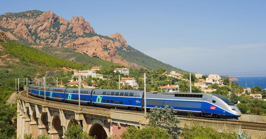 AVE entre España y Francia, descubre el país Galo 4