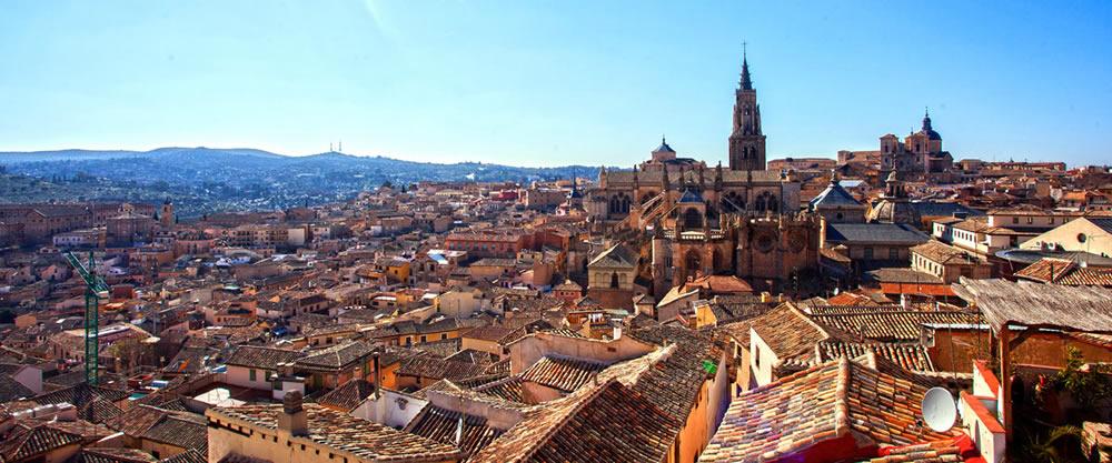 Cascos antiguos e históricos más bonitos de España, descúbrelos viajando en tren. 1