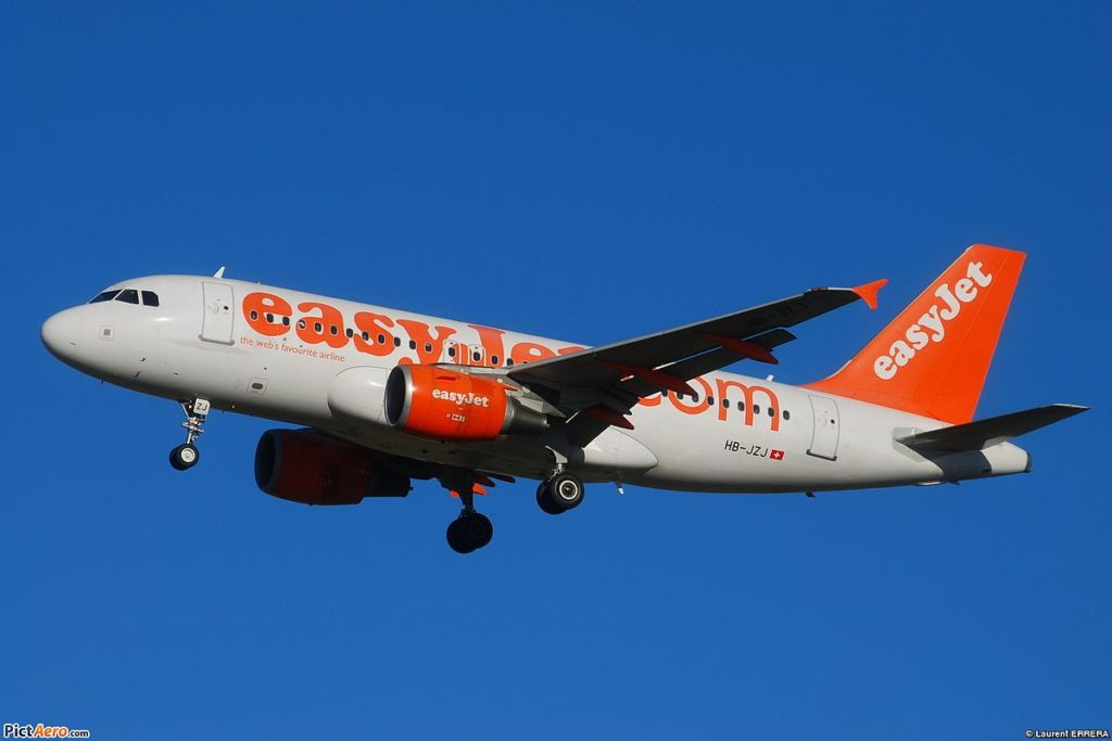 EasyJet modificar nombre billete