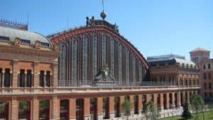 Estación de tren y AVE Madrid Atocha. Como llegar, teléfonos y servicios