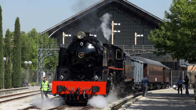 Trenes turísticos, recorre España en un tren de época. 2