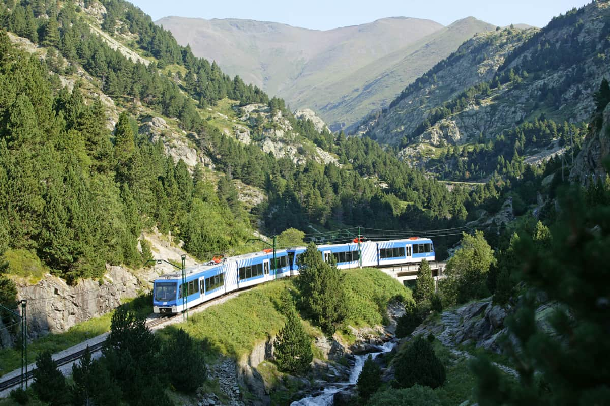 Planifica tus vacaciones de verano en tren 5