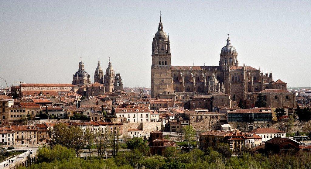 Cascos antiguos e históricos más bonitos de España, descúbrelos viajando en tren. 5