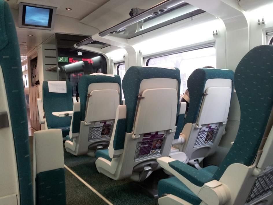 Diferencias al viajar entre trenes AVE y ALVIA 4