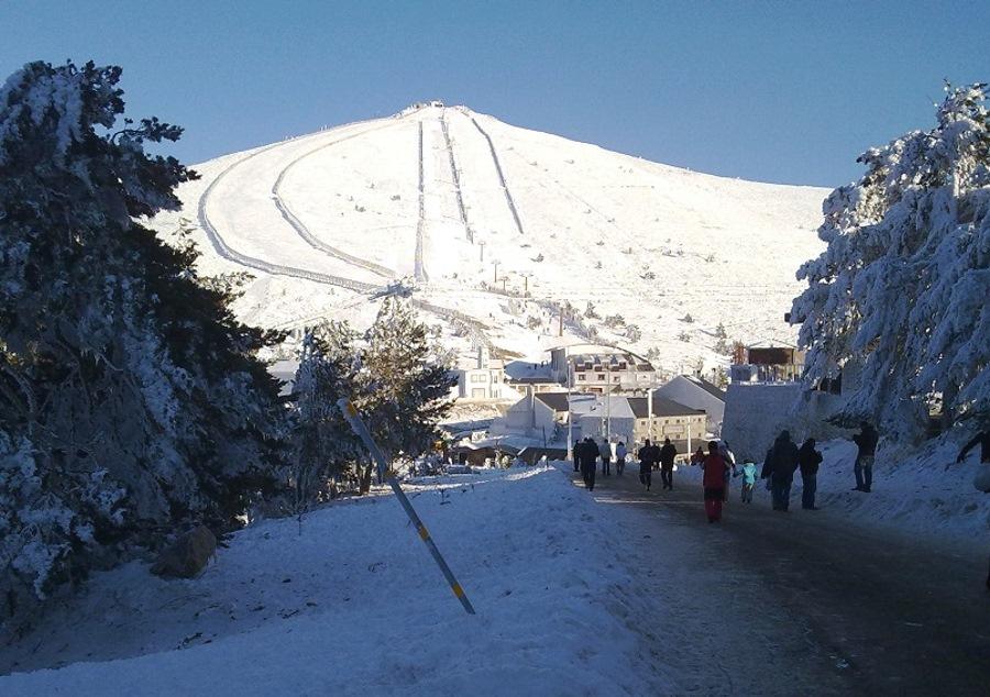 Conoce las 6 mejores estaciones de esquí españolas y como llegar en tren o AVE 4