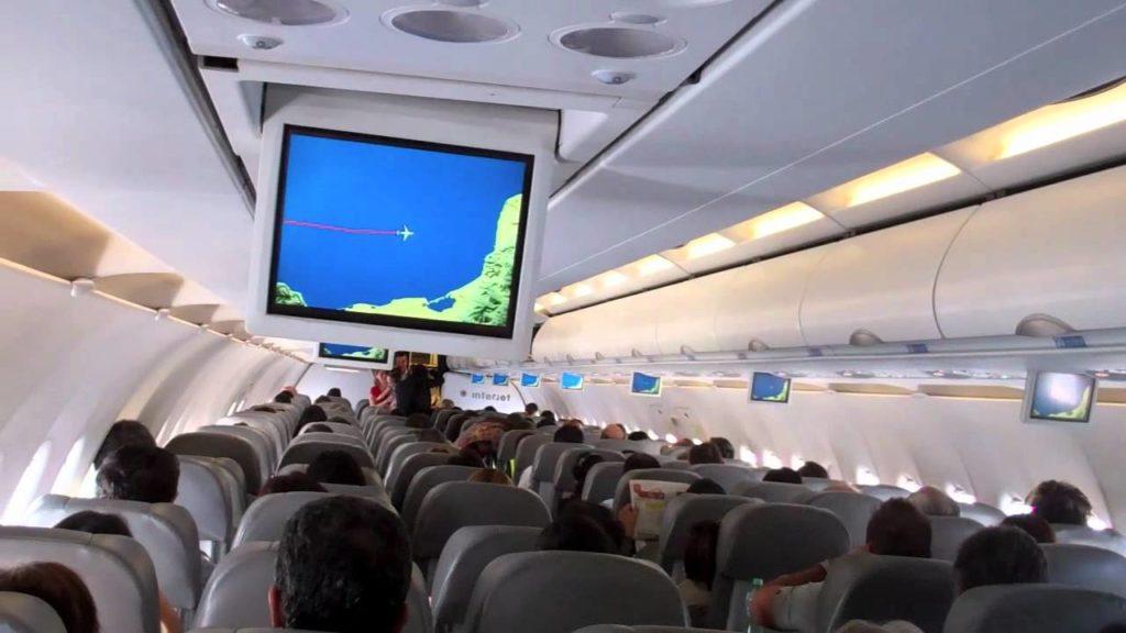 Interjet permite cambiar el nombre del billete de avion