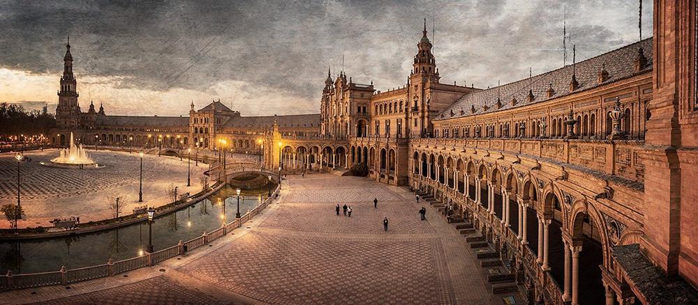 Las 5 plazas más bonitas de España que tienes que visitar viajando en AVE 2