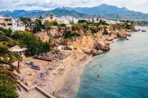 Vacaciones en Málaga, descubre la costa del Sol en trenes AVE 2