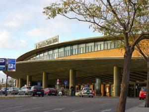 Estación de tren y AVE Sevilla Santa Justa. Como llegar, teléfonos y servicios