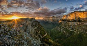 Visitar el Parque Nacional Ordesa y Monte Perdido.