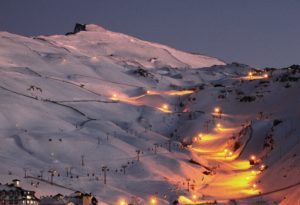 Conoce las 6 mejores estaciones de esquí españolas y como llegar en tren o AVE
