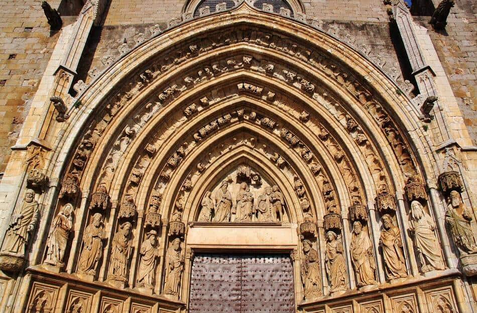 Los mejores sitios a recorrer al Viajar en AVE a Girona 4