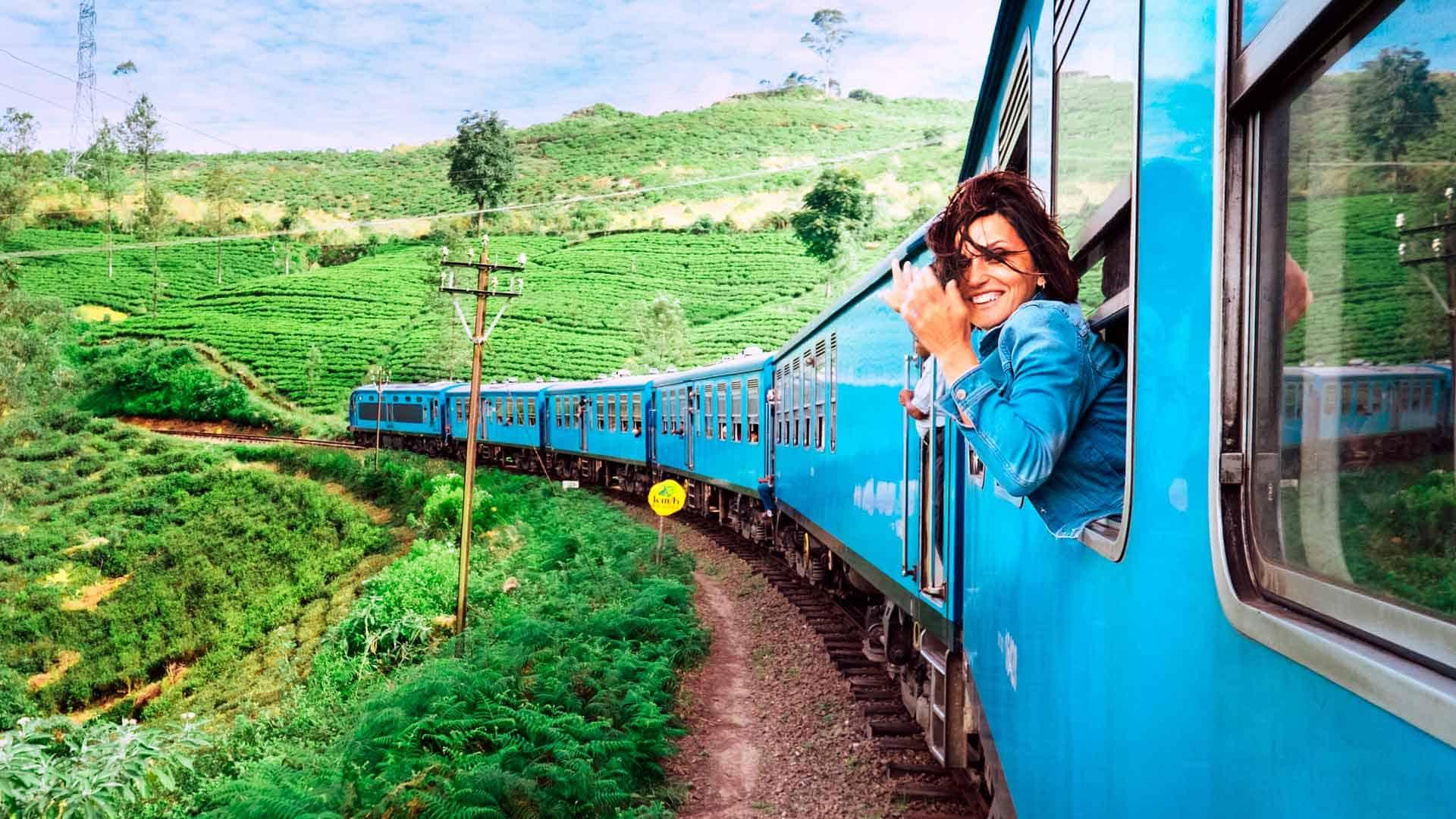 Viaja en tren a los parques temáticos españoles 2